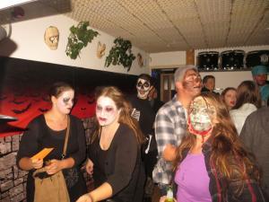 2017 10 31 21 25 48 Halloween-Party